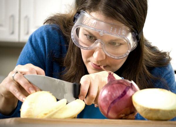 Llorar al cortar cebolla